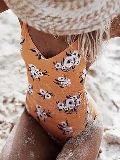 Backless Bohemia One-piece Swim Suit – idee per costumi da bagno Trendy Swimwear, Cute Swimsuits, Women Swimsuits, Modlily Swimwear, Summer Swimwear, Modest Swimsuits, One Piece Bikini, One Piece Swimwear, Yellow Swimsuit One Piece
