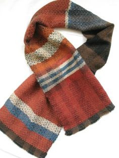 Catarina Riccabona - Hand-woven scarf, one-off, approx. 150cm. Alpaca and plant-dyed wool. Beautiful drape, very warm