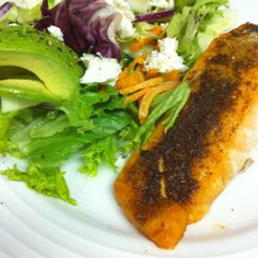 Roasted salmon with vindaloo seasoning and side salad with light peach vinegar and oil dressing