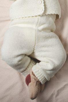 Ravelry: Babybyxor pattern by Minna Metsänen Needles Sizes, Leg Warmers, Baby Knitting, Ravelry, Pullover, Wool, Stitch, Pattern, Cotton