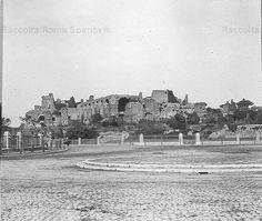 Palatino visto dall'attuale Piazza di Porta Capena Anno: 1910 ca. Rome, New York Skyline, Louvre, San, Antique, Travel, Viajes, Destinations, Traveling