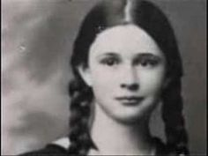 Elly Weisz - murdered in Auschwitz at age sister Margo, age 17 and brother Irwin, age daughter of Iolanda Weisz born in Satu Mare, Romania. Jewish Music, Cultura General, Lest We Forget, Anne Frank, Yesterday And Today, World War Ii, Wwii, Singer, World Music