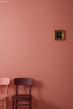 A Pair Of Chairs - The Taboo Color Pairing We Actually Love  - Photos