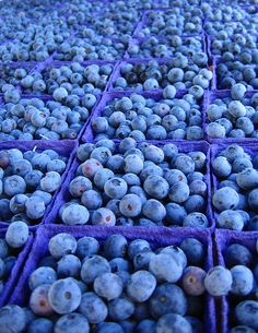 Blueberries!!!  :-)  Their color alone is enough to make you smile, n'est-ce pas?