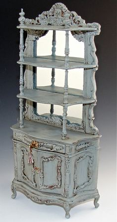 Dollhouse Hutch, Belle