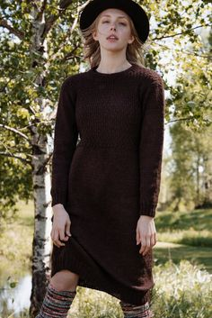 The upper part is worked in double moss stitch, giving this simple, yet beautiful dress its character. Knit Skirt, Knit Dress, Dress Skirt, Moss Stitch, Unique Crochet, Crochet Clothes, Clothing Patterns, Beautiful Dresses, Beautiful Things