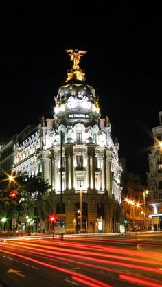Metropolis Building, Madrid, Spain