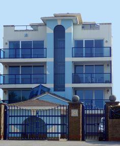 81 Banks Road Poole | The Blue facade of these;Art Deco style apartments of 81…