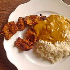 Erdnusssauce Peanut Sauce (recipe with picture) of karaburun Peanut Sauce Recipe, Sauce Recipes, Healthy Food List, Healthy Eating, Quinoa Vegetable Soup, Squirrel Food, Veggie Recipes, Cooking Recipes, China Food