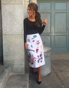 Paula Echevarría: 100 mejores looks - Style Lovely Xl Fashion, Skirt Fashion, Skirt Outfits, Chic Outfits, Look Formal, Glam Dresses, Celebrity Look, Looks Style, Casual Chic