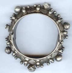 Africa | Old silver bracelet from Mauritania. Early 20th century | Sold | © Linda Pastorino ~ Singkiang