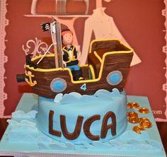 #Ideas #DIY para organizar el #cumpleaños de tu hijo -  #Tarta pirata personalizada