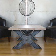 Table basse chêne massif pieds en X en acier vieilli. Modèle Wisconsin fabriqué en France. Style industriel. #meuble #tablebasse