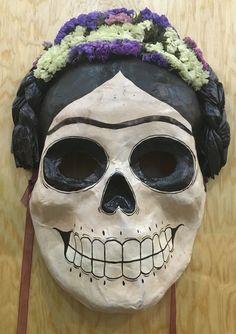 Mascara Frida con flores - Papel maché