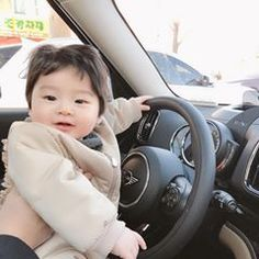 baby car seat - 4 Stars & Up Cute Asian Babies, Korean Babies, Asian Kids, Cute Babies, Cute Baby Boy, Cute Little Baby, Cute Kids, Baby Kids, The Babys