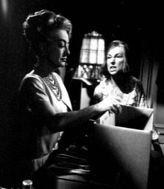 """Joan Crawford With Agnes Moorhead A film Crawford never Finished """" Hush, Hush, Sweet Charlotte"""", the incredible Olivia DeHavilliand took over the role. Hollywood Icons, Vintage Hollywood, Classic Hollywood, Jane Eyre Movie, Hush Hush Sweet Charlotte, Celebrity Feuds, Erin Murphy, Agnes Moorehead, Ziegfeld Girls"""