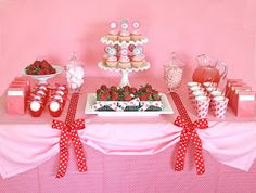 Sweet Strawberry Party DIY