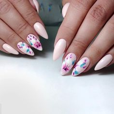 Beautiful Flowered Wedding Nails ❤️18 Gorgeous Wedding Nails Ideas ❤️ See more: https://naildesignsjournal.com/wedding-nails-ideas/ #naildesignsjournal #nails #nailart #naildesigns