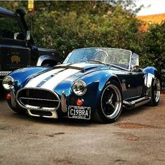 The ultimate collectors car. 427 AC Shelby Cobra in the original blue with white racing stripes. Bugatti, Lamborghini, Ferrari, Classic Trucks, Classic Cars, Replica Cars, Good Looking Cars, Ac Cobra, Pony Car