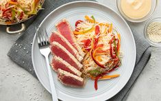Recette : Thon sésame avec crème au gingembre - MissFresh Sesame, Bacon, Fresh, Cooking, Breakfast, Food, Roasted Red Peppers, Green Onions, Kitchen