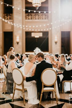 A long-distance relationship leads to a chic wedding at Peabody Opera House #stlouiswedding