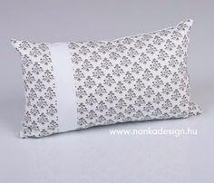 Fleuri Black and White tündérpárna - Nanka Design Bed Pillows, Pillow Cases, Black And White, Design, Flowers, Pillows, Black N White, Black White