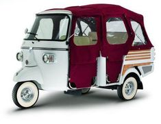 Piaggio Ape, a Vespa for the whole family. Can this please be my soccer mom wagon! If only they would allow it in the states. Vespa Ape, Scooters Vespa, Motos Vespa, Motor Scooters, Piaggio Ape, Piaggio Scooter, Scooter Motorcycle, Mini Camper, Custom Motorcycles
