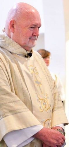 Paulist Fr. Jack Collins during a wedding in June, 2017.