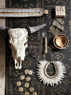 Boho Chic via So You Want to be an Interior Designer Ethno Style, Bohemian Style, Bohemian Homes, Boho Chic, Ethnic Decor, Interior Minimalista, Deco Boheme, Cow Skull, Bull Skulls