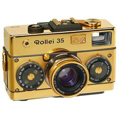The Rollei 35 Classic Gold 75th anniversary Sonnar 2,8/40mm by varioelmarit, via Flickr