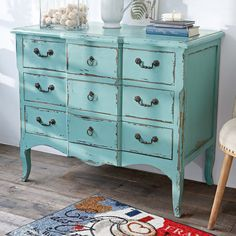 shabby beauty! #cottage #country #interiors #furniture #blue