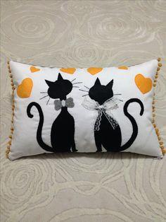 Cat Pillow - Yastık- Kedicikler