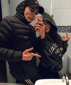 Bathrooms with bae couple pictures, future boyfriend, boyfriend goals, cute relationships, relationship Relationship Goals Pictures, Cute Relationships, Relationship Advice, Boyfriend Goals, Future Boyfriend, Guy Best Friend, Best Friends, Couple Goals Cuddling, Tumblr Couples