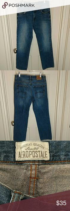 AEROPOSTALE MEN'S ESSEX STRAIGHT LEG JEANS 32x30 AEROPOSTALE MEN'S ESSEX  STRAIGHT LEG JEANS   SIZE 32X30 MEASURED   VERY GOOD CONDITION WITH NO RIPS TEARS OR STAINS JUST SOME FRAYING ON THE HEM  #119 Aeropostale Jeans Straight