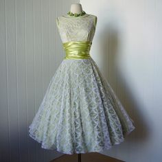gorgeous pin up dresses   ... party pin-up dress with a full circle skirt ...unworn -featured item