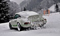 Porsche Carrera RSR in snow
