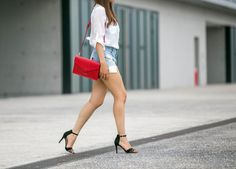 One touch of glamourous with our red clutch, by Trendy Holy. #red #clutch #bag #envelope #heals #shorts #whiteshirt #style #summer #lancaster #lancasterparis