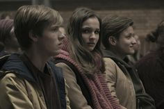 Dark season How many episodes are in the new series on Netflix? Netflix Series, Series Movies, Tv Series, Louis Hofmann, Alternate Worlds, Fantasy Movies, Guardians Of The Galaxy, Season 3, Music Artists