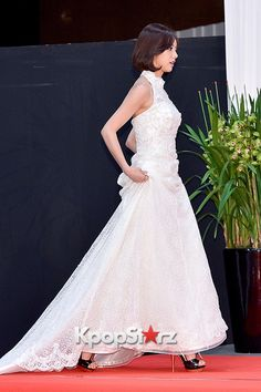 Hyeri - Girl's Day at 2014 KBS Gayo Daechukje Red Carpet Lee Hyeri, Korean Celebrities, Girl Day, One Shoulder Wedding Dress, Red Carpet, Kpop, Actresses, Wedding Dresses, Cute
