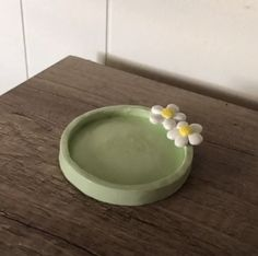 Diy Clay Rings, Keramik Design, Clay Plates, Clay Art Projects, Jewelry Tray, Jewelry Dish, Cute Clay, Clay Design, Polymer Clay Crafts