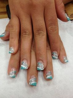 Love the teal n silver ongles negle, neglekunst et neglelak Fancy Nails, Diy Nails, Cute Nails, Pretty Nails, Teal Nails, Silver Nails, Silver Glitter, Teal Nail Art, Teal Acrylic Nails