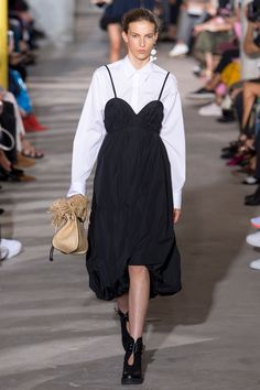 See the complete 3.1 Phillip Lim Spring 2018 Ready-to-Wear  collection.