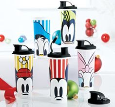 These Tupperware Tumblers depict well known Disney characters: Mickey, Minnie, Goofy, Donald and Daisy. Set includes 5 flip-top spouts with virtually airtight seals. Tupperware Cups, Tupperware Consultant, Cute Stockings, Hershey Kisses, Gifts For Coworkers, Cute Disney, Peek A Boos, Disney Magic, Decoration