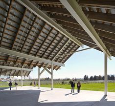 Parrish Art Museum, Herzog & de Meuron Architects, Hufton + Crow, Long Island, New York Long Island, Architecture Details, Modern Architecture, Roof Truss Design, Timber Ceiling, Exhibition Building, Timber Structure, Roof Trusses, Roof Styles