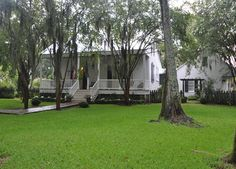 19th Century Creole Cottage, remodeled by A Hays Town, lovingly saving the history.....The Deco Blog: Louisiana Plantations
