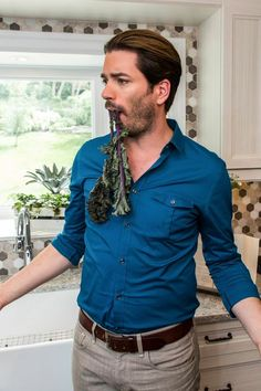does have something stuck in his teeth i canu0027t tell drew - How Tall Is Jonathan Scott