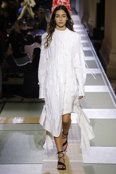 H&M Spring 2018 Ready-to-Wear Fashion Show Collection