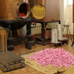 The age-old art of making a perfume. Grasse, France.  beautyideas.com