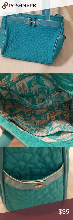 Vera Bradley quilted purse Beautiful teal Vera Bradley shoulder purse.  Pockets on both sides of the bag. No visible flaws. Vera Bradley Bags Shoulder Bags
