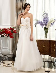 A-line/Princess Sweetheart Floor-length Lace And Organza Wedding Dress
